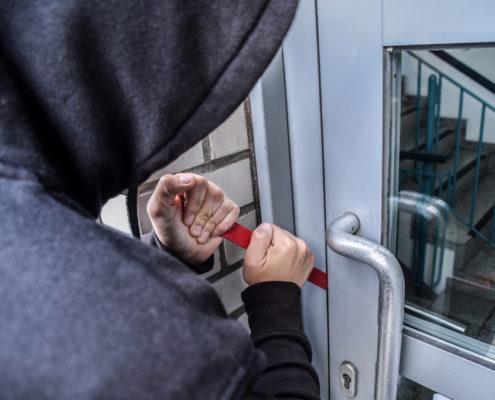 Mythen-Einbruchschutz-Immobile-sichern-gegen-Einbrecher